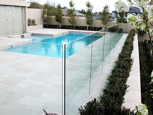 The Best Reasons To Install A Glass Fence To Your Swimming Pool